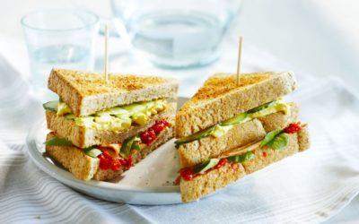 Vrolijke clubsandwich